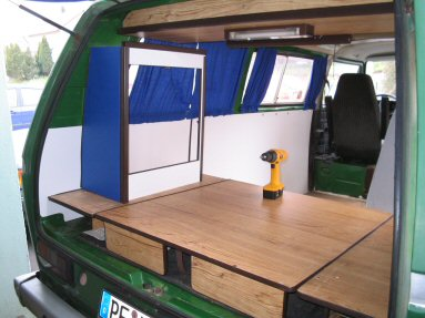 tipps zum camper bus ausbau autobatterie lader. Black Bedroom Furniture Sets. Home Design Ideas